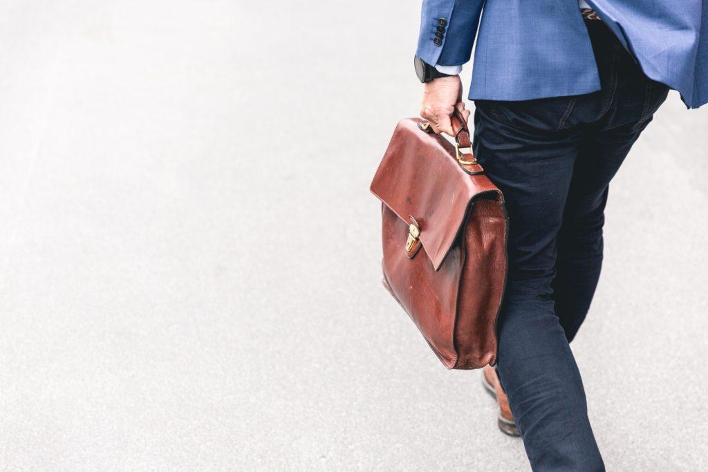 まとめ|外資系企業では前向きに自発的に行動することが大切