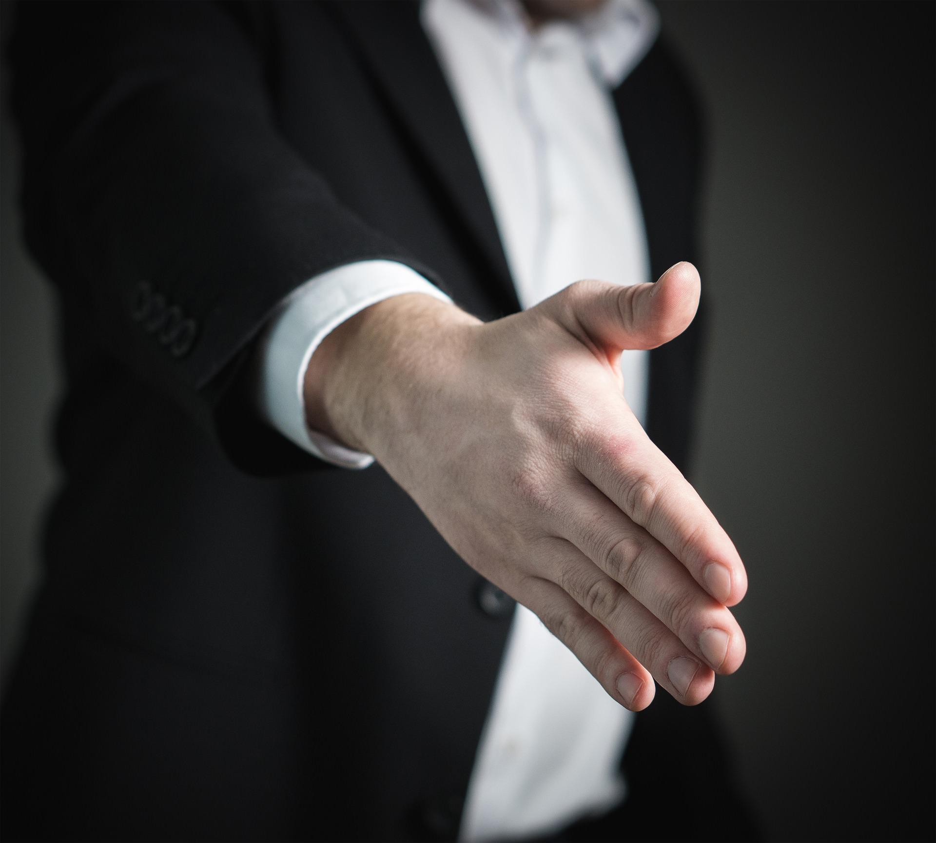 リストラされるのは買収された会社のスタッフ