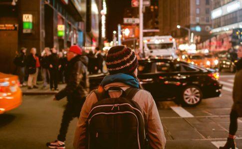 海外で働くのは高卒でもできる!具体的な方法5つと注意点3つ