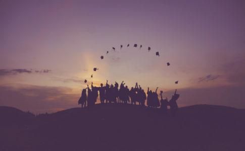 新卒が海外で働く方法とすべきこと【理系の私でも海外就職できました】